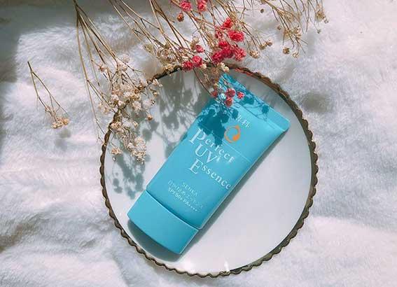 Kem chống nắng Senka Perfect UV Essence